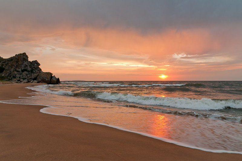 Закат на берегу Азовского моряphoto preview