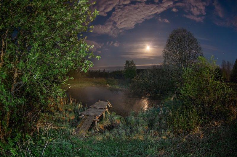 ночь луна серебристые облака туман полнолуние сумерки Ночь. Луна. И облака.photo preview