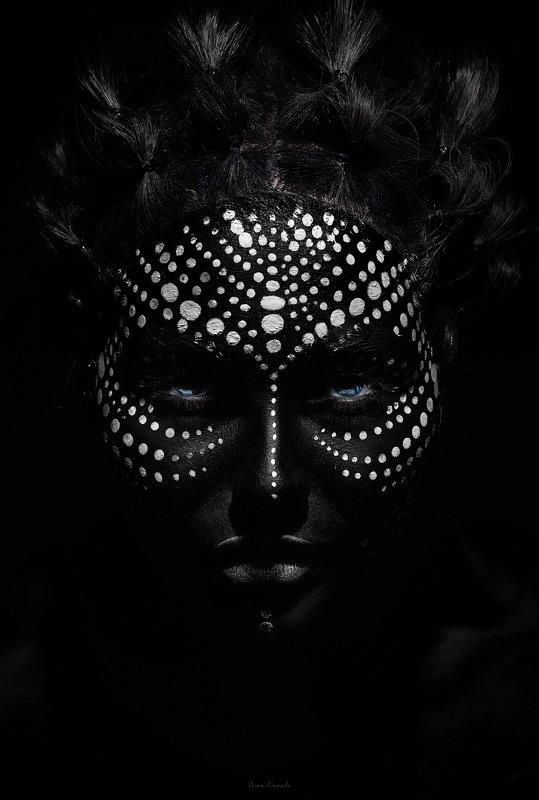 портрет, девушка, взгляд, лицо, точка, макияж, пунктир, wallart, ivankovale In paradisephoto preview