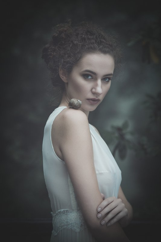 portrait girl natural Close encountersphoto preview