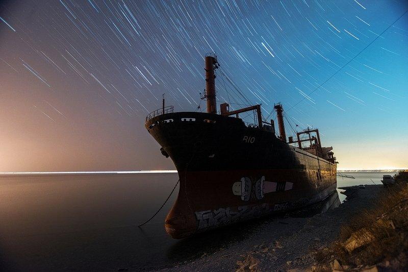 корабль, сухогруз, море, шторм, пляж, кораблекрушение, звёзды, ночь, небо, рио, кабардинка ЗВЁЗДЫ НАД \