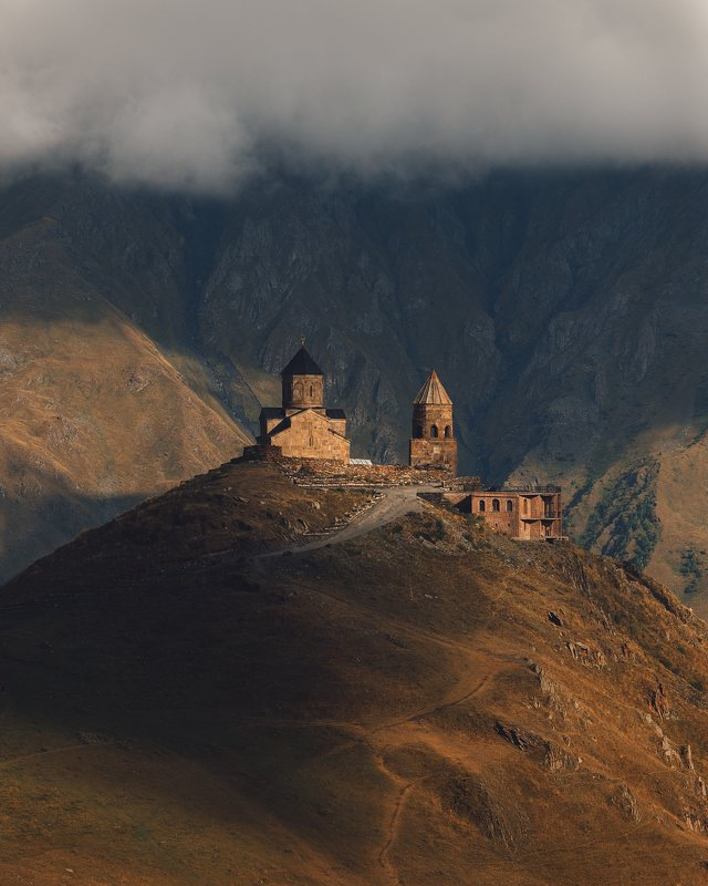 троицкая церковь грузия, казбеги, степанцминда, гергети, грузия, казбек Казбегиphoto preview
