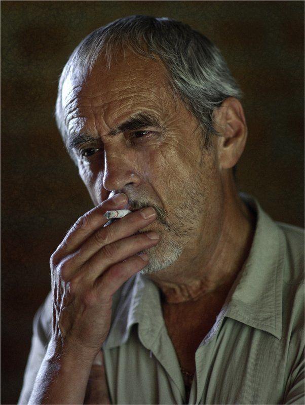 мужчина, портрет, лица, люди, жанровый портрет Огонёк  Жизни...photo preview