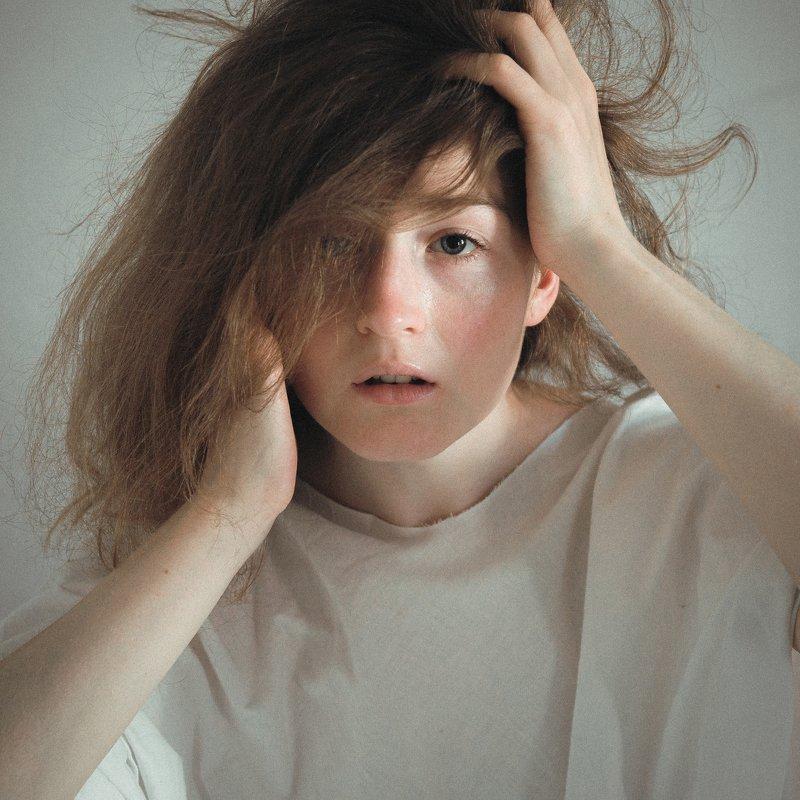 Девушка, портрет, модель, взгляд, красота, арт, позирование Чистотаphoto preview