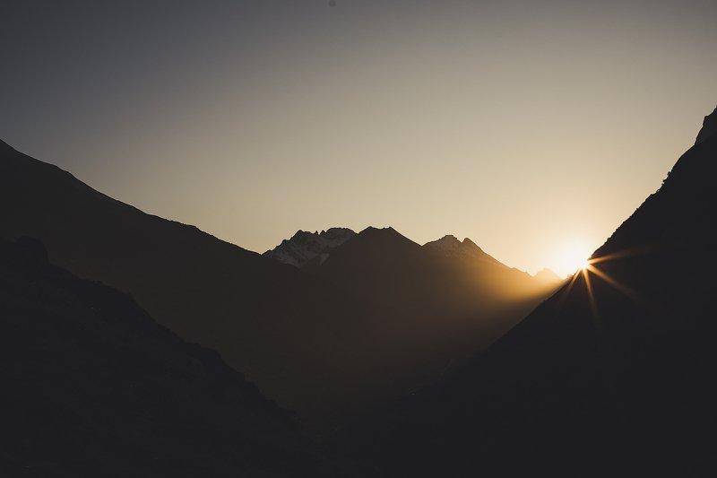 Башиль, Булунгу, кбр, Кавказ, горы, закат Закат в ущелье Башильphoto preview