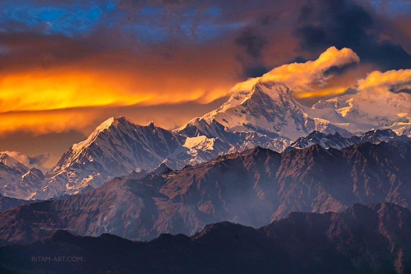 Гималаи. Огненная феерия / The Himalayas. A Fiery Extravaganzaphoto preview