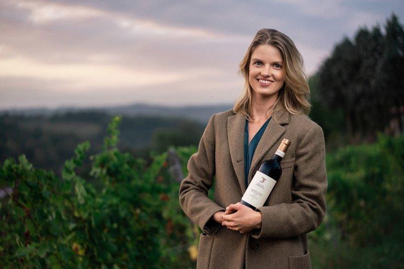 #Winemaker #Madewithluminar #skylum #nodiastories #vineyard #asti #italy  Winemakerphoto preview