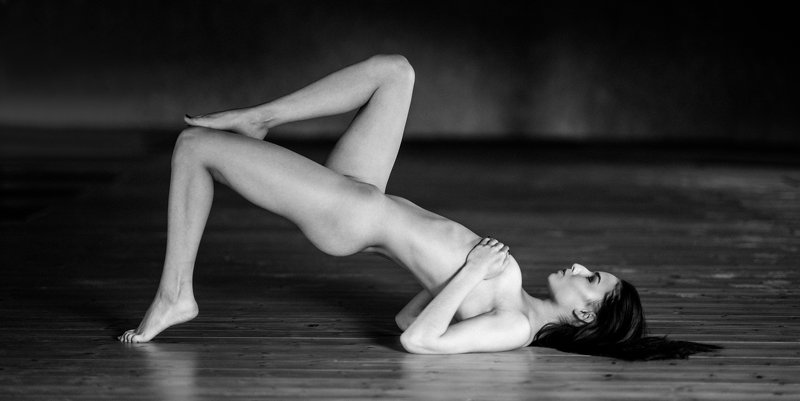 natural body fit girl nude Klaudiaphoto preview
