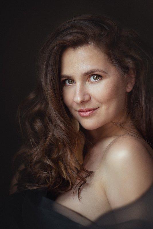 портрет, женщина, свет Ларисаphoto preview
