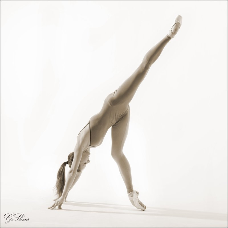 Жанровый портрет балерины Олеси Мамыловойphoto preview