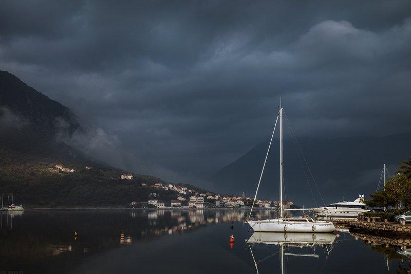 черногория, природа, путешествие Затишье в Боко-Которской бухтеphoto preview