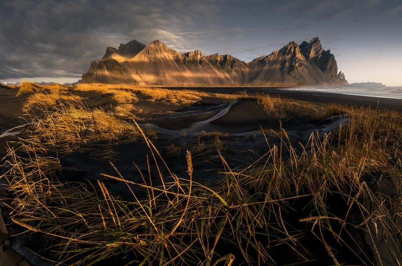 @landscape @mountains @sunrise @iceland @photography @travel Stokknesphoto preview