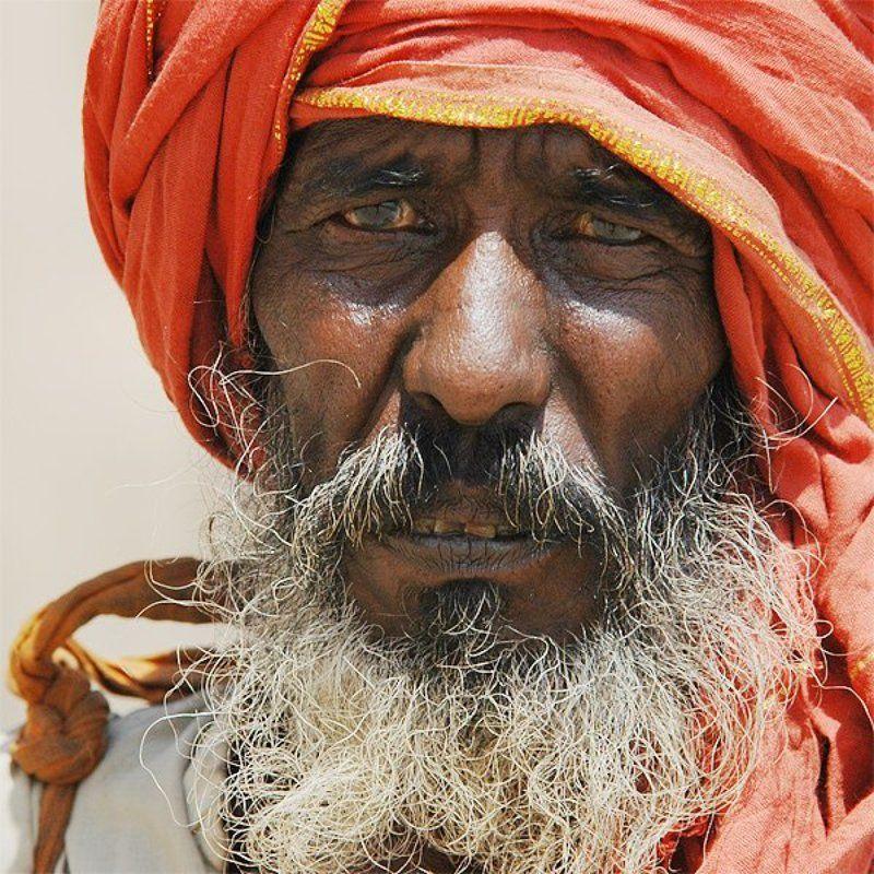 мужчина, индия Набережная ганга, Варанаси, Индияphoto preview