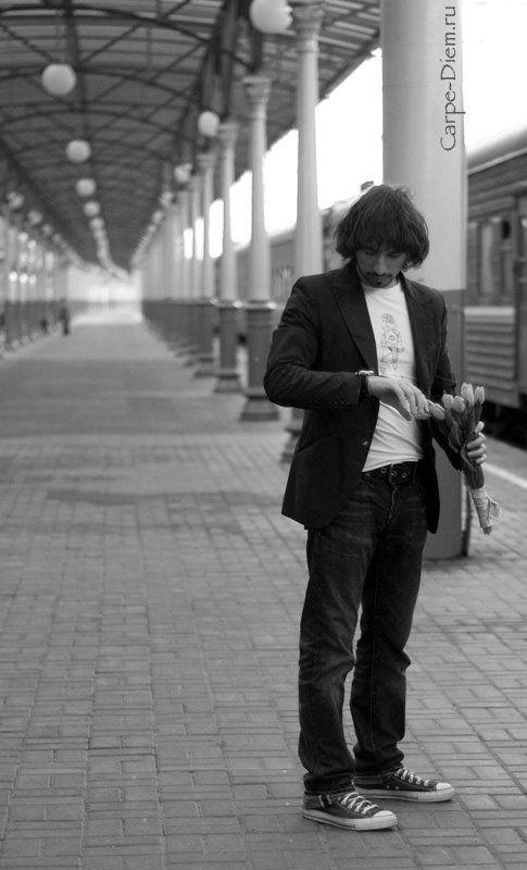 ожидание, вокзал, мужчина, перрон ожиданиеphoto preview