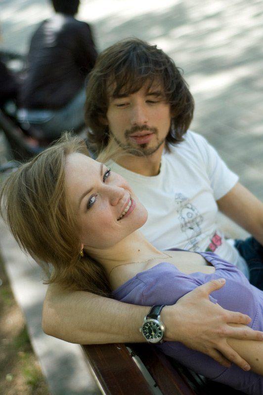 девушка, мужчина, скамейка обнимиphoto preview