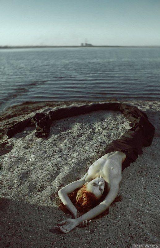 Нефтяная русалкаphoto preview