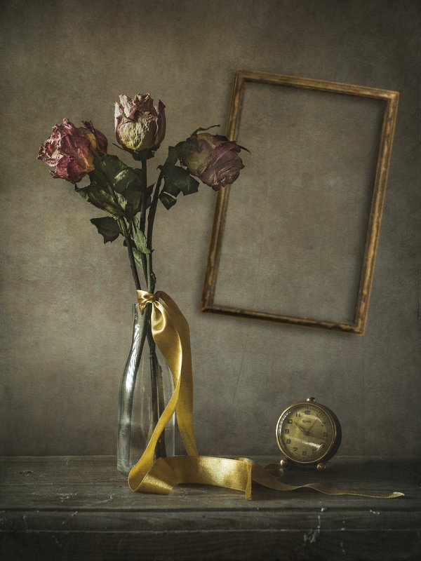 still life with framephoto preview