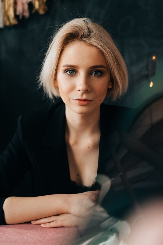 Таня, каре, портретыphoto preview