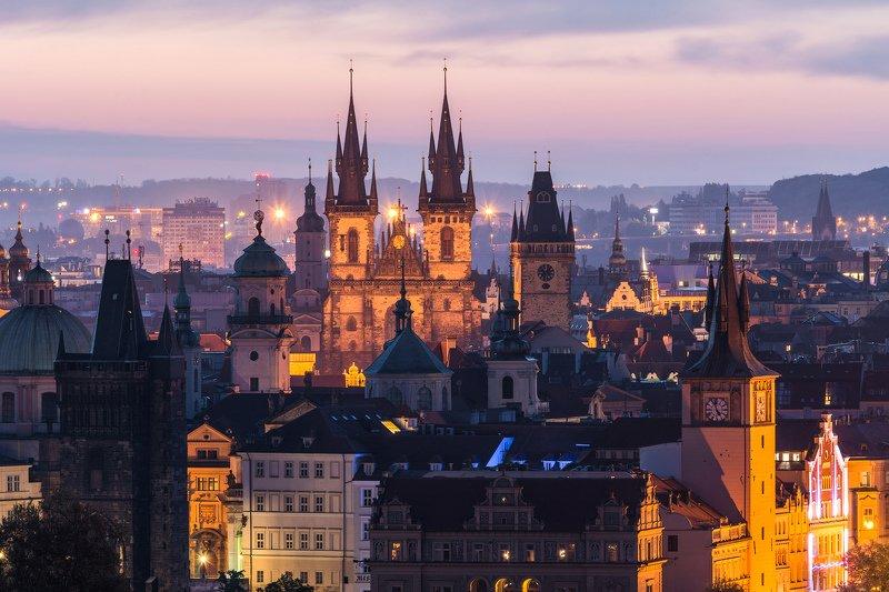 прага, ночь, утро, город, башня, небо, облака, европа, купол, храм, шпиль Ночная Прагаphoto preview