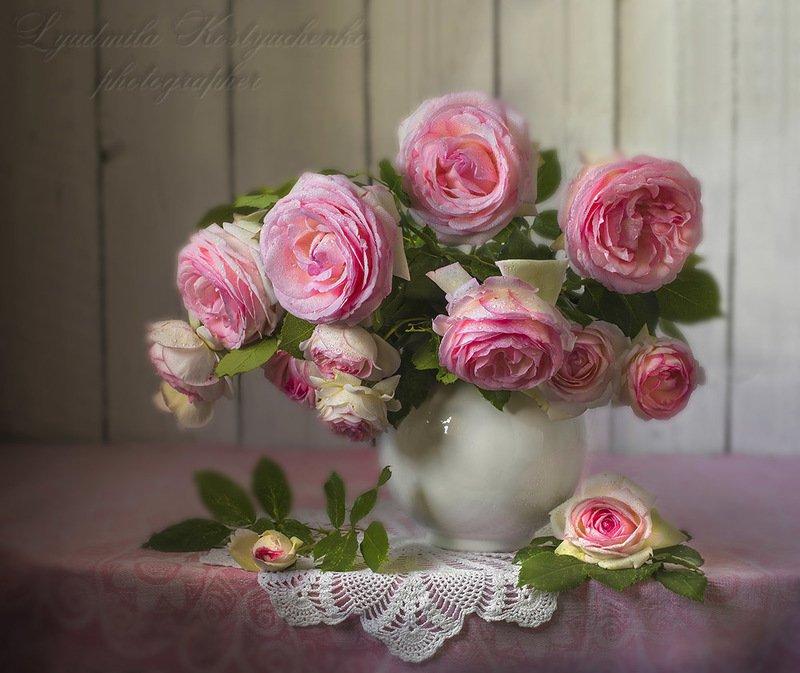 натюрморт с розами,лето,букет,цветы,художественное фото,искусство. photo preview