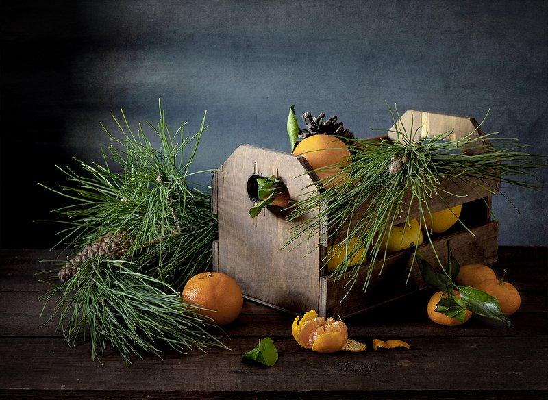 натюрморт, фрукты, яблоки, цитрусовые С яблоками и мандаринамиphoto preview