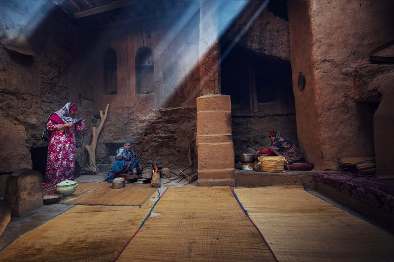 Colors,women Family Housephoto preview