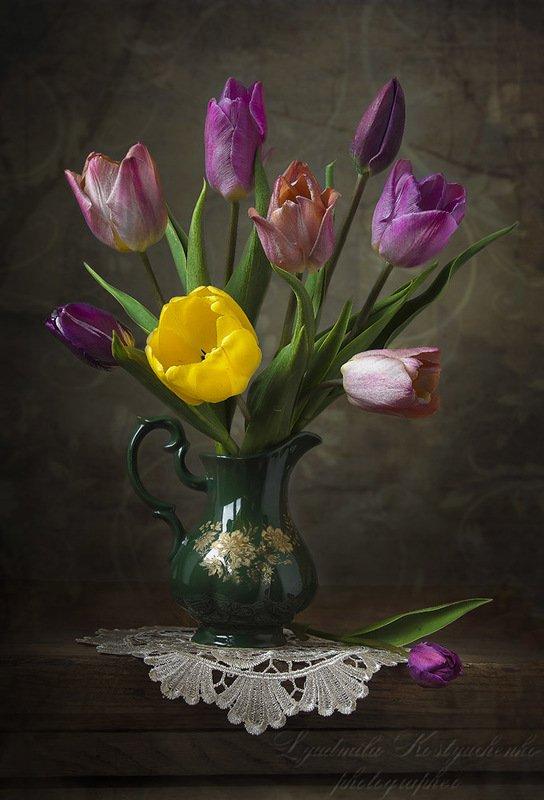 натюрморт с тюльпаны,весна,букет,цветы,художественное фото,искусство. photo preview