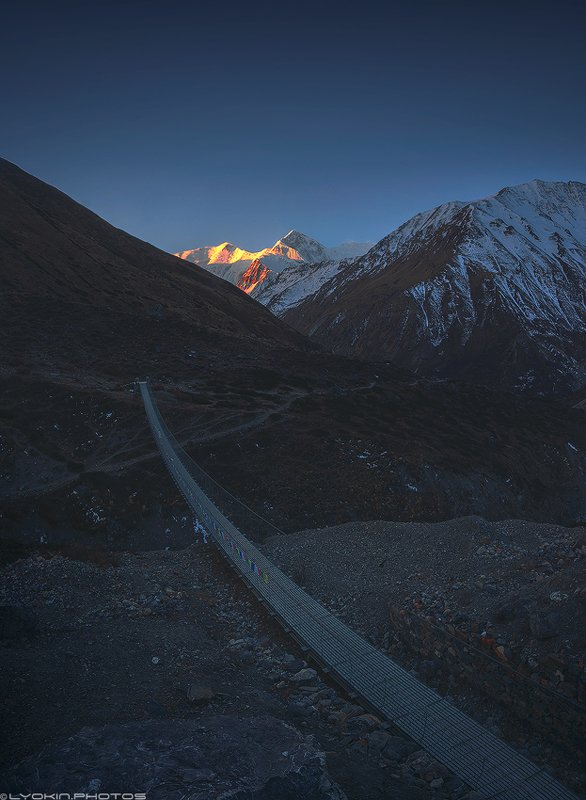 Горы первыми видят солнцеphoto preview