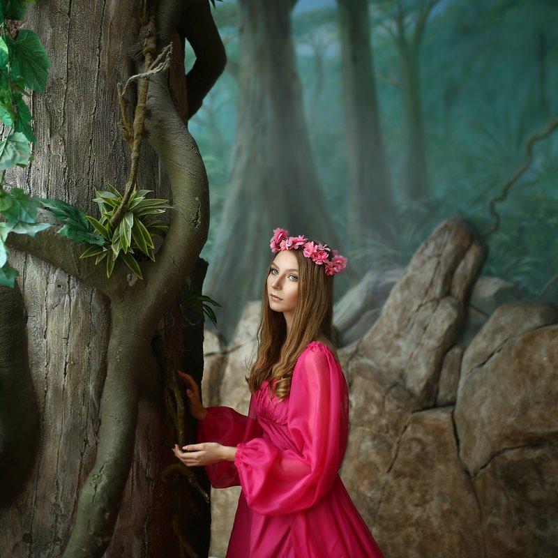 розовое платье, девушка в розовом платье, придуманный лес, джунгли, торговый центр photo preview