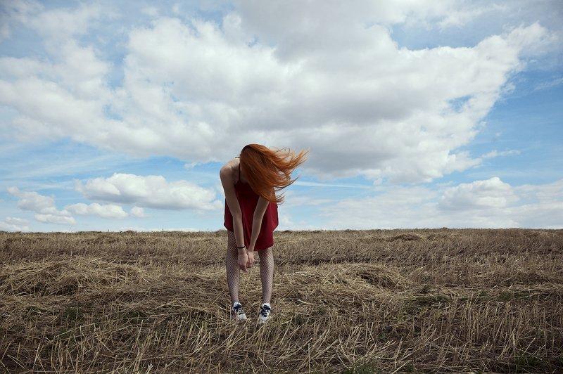 девушка, осень, поле, облака, рыжий ***photo preview