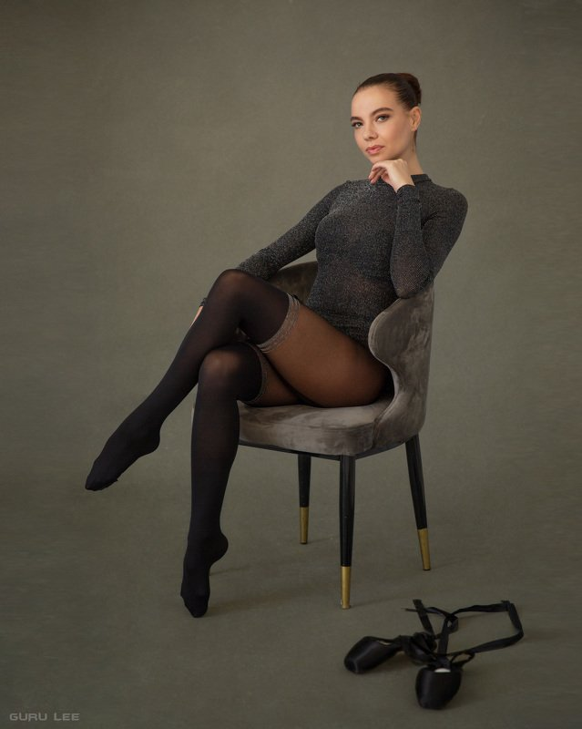 девушка, балерина, пуанты, стул, портрет, естественый свет Kristinaphoto preview