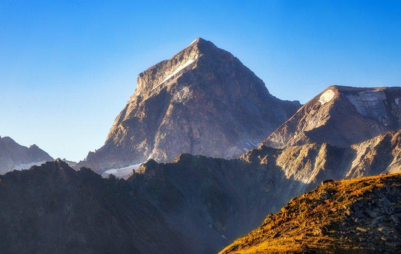 горы кавказ походы пейзаж озёра г.Куршо на стражеphoto preview