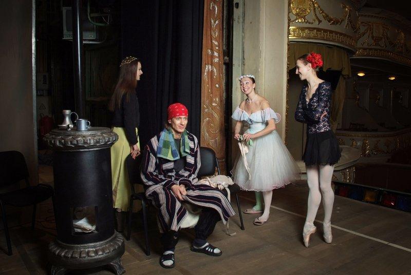 Звезды балета на сцене в неформальной обстановкеphoto preview