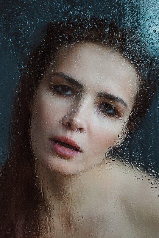 Window tearsphoto preview