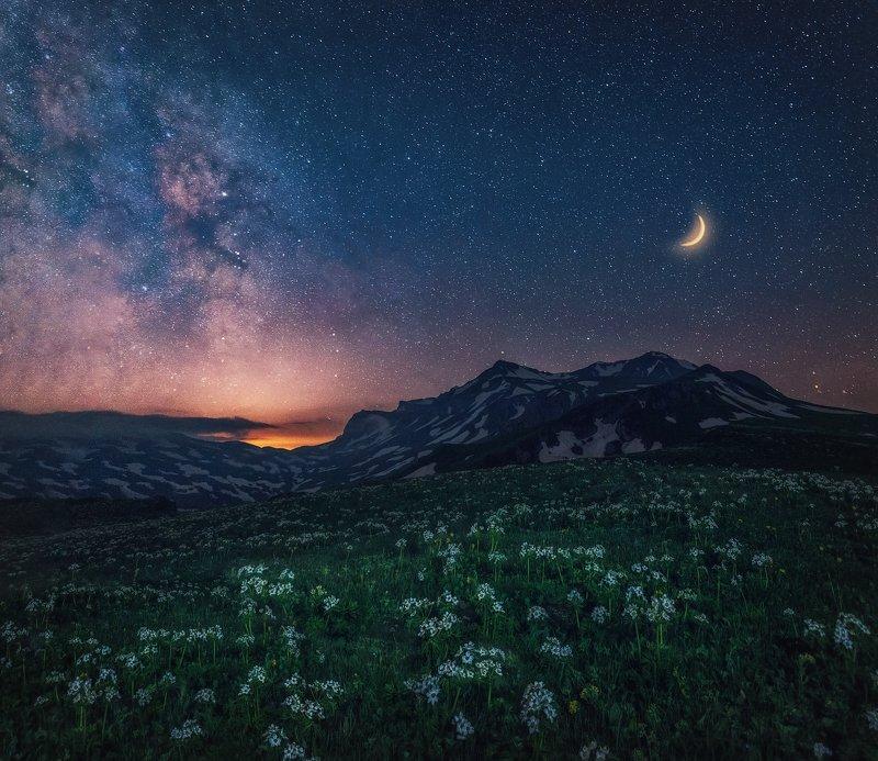 оштен, звёзды, млечный путь, луна, лаго-наки, закат, большой тхач, малый тхач, асбестная, горы, пейзаж, рассвет, кавказ, адыгея, ачешбоки, Ночью у горы Оштенphoto preview