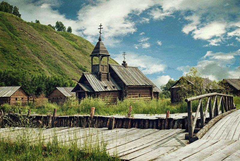 деревня, церковь, избы, холм, трава, старина, речка, мост Старая церковьphoto preview