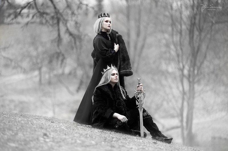 Черное королевство, короли, блонины, красивые модели, черное, белое, сказочная фотосессия, волшебство  Темное королевствоphoto preview