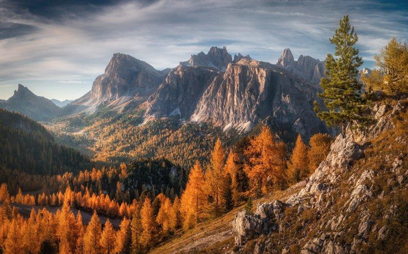 Cinque Torri, Чинкве-Торри, Доломиты, Италия Осенний вечер photo preview