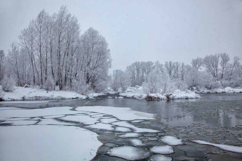 пейзаж,река,иней,снег,деревья,льдины Зимний день.photo preview