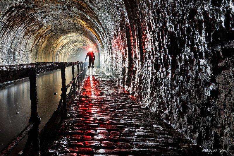 Подземный каналphoto preview