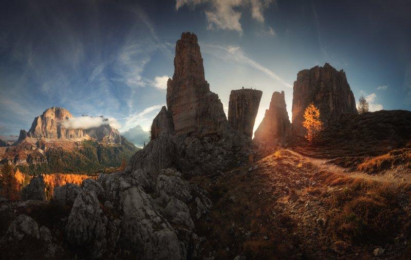Cinque Torri Чинкве-Торри Доломиты Италия Рассвет на Чинкве-Торриphoto preview