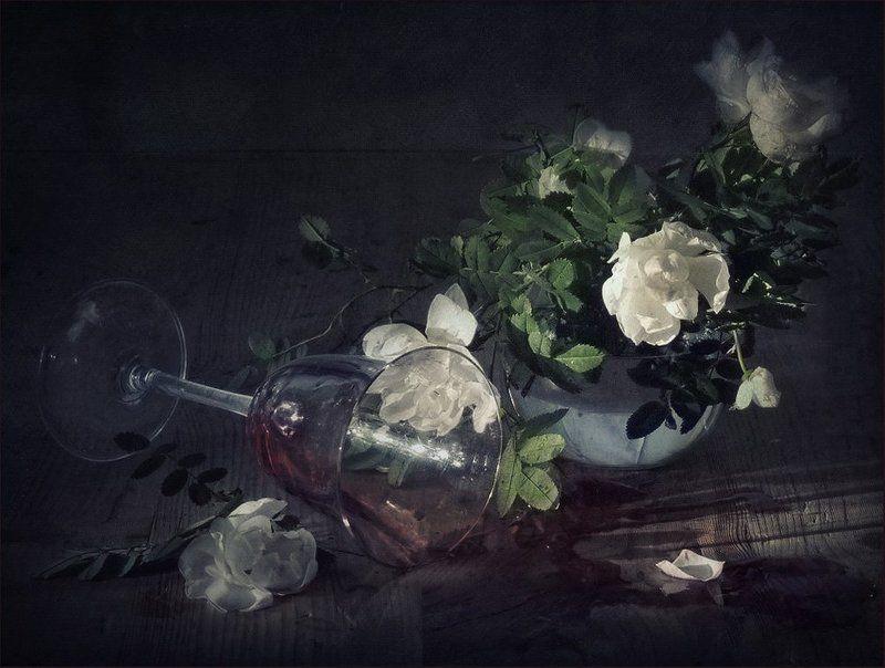 Пролитое вино несбывшихся надеждphoto preview