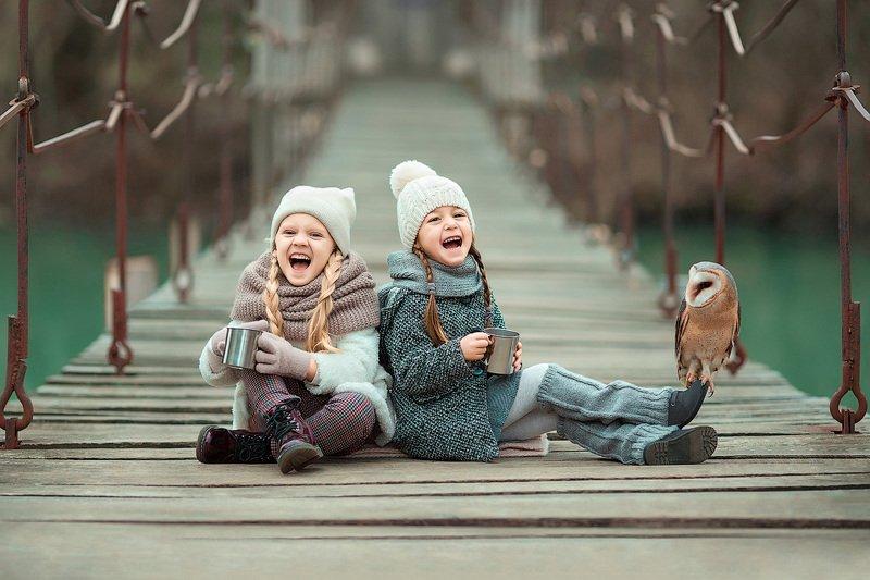 фотограф, зеркальный фотоаппарат canon mark iii, фотопрогулка, зима, детская фотосессия, детский фотограф, девочки, подружки, счастье, радость, дети на фото, сова, красота, восторг Поружкиphoto preview