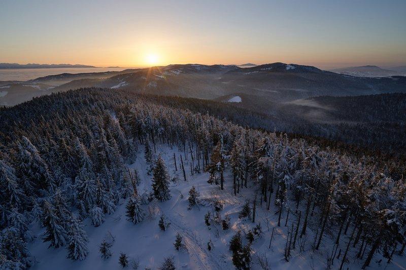 mist,mountains,hut,sunrise,tree,cold,frozen,snow G2photo preview