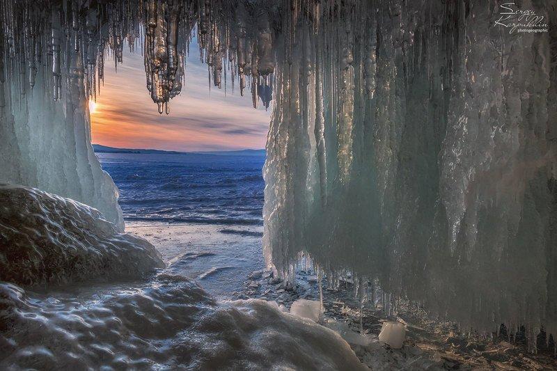 байкал, зима В гротах Байкалаphoto preview