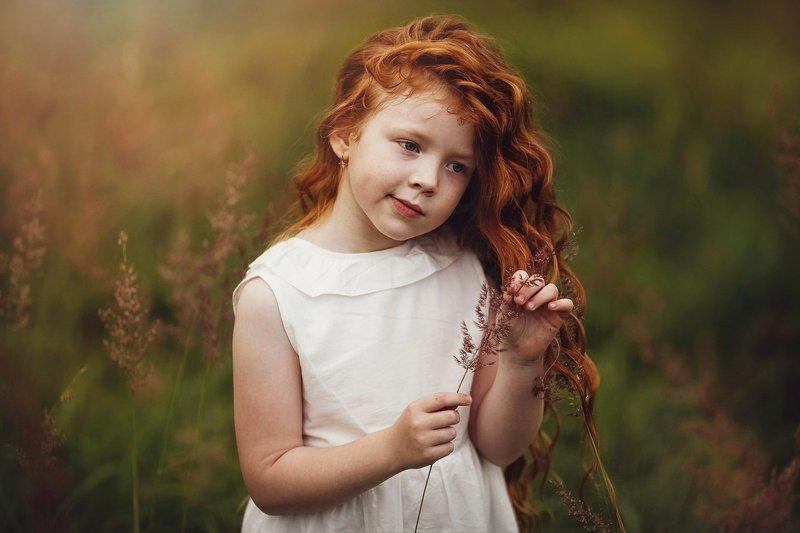 ребенок, девочка, рыжая Рыженькаяphoto preview