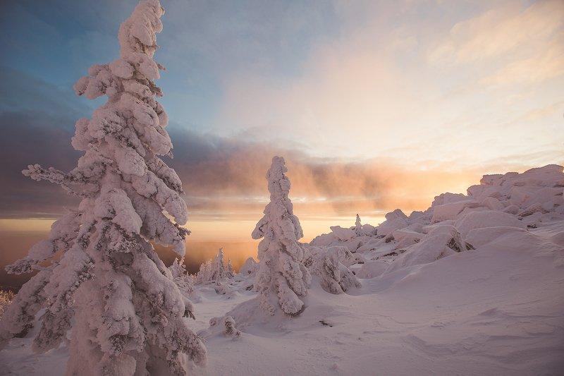 Таганай, пейзаж, зима, снег, облака, туман, восход, Урал photo preview