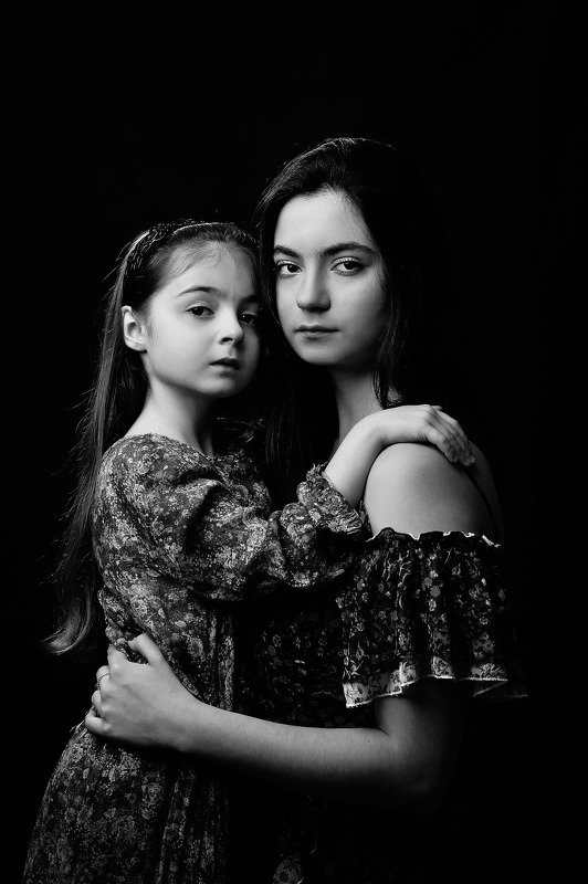 Two sistersphoto preview