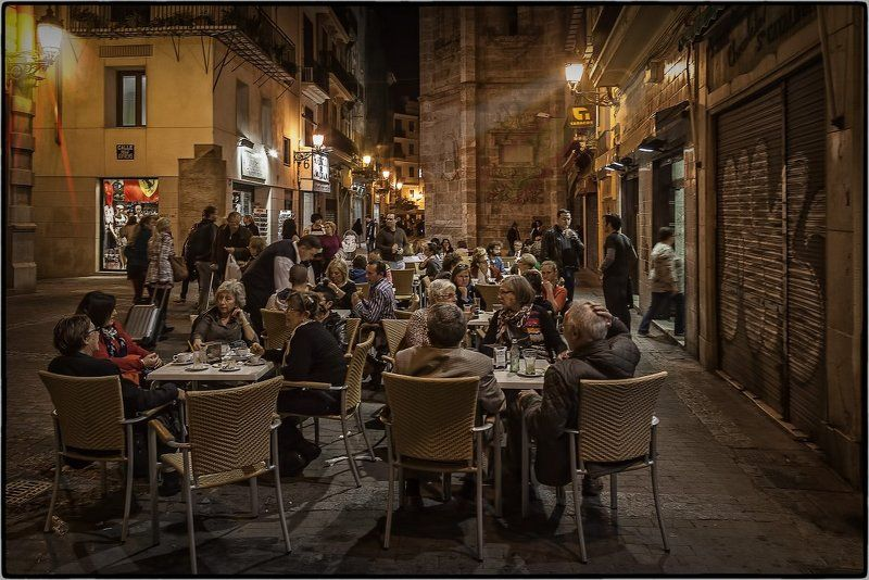 Ночная жизнь Барселоныphoto preview
