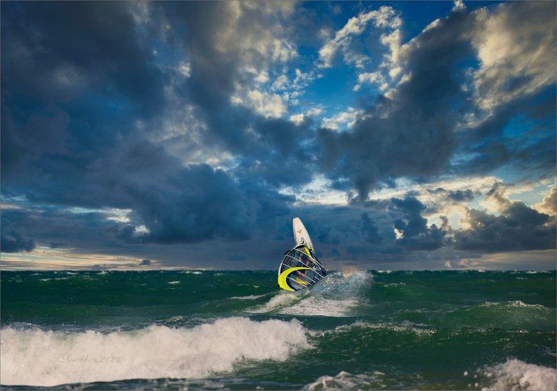 море, волны, серфинг, небо, облака, закат To flyphoto preview